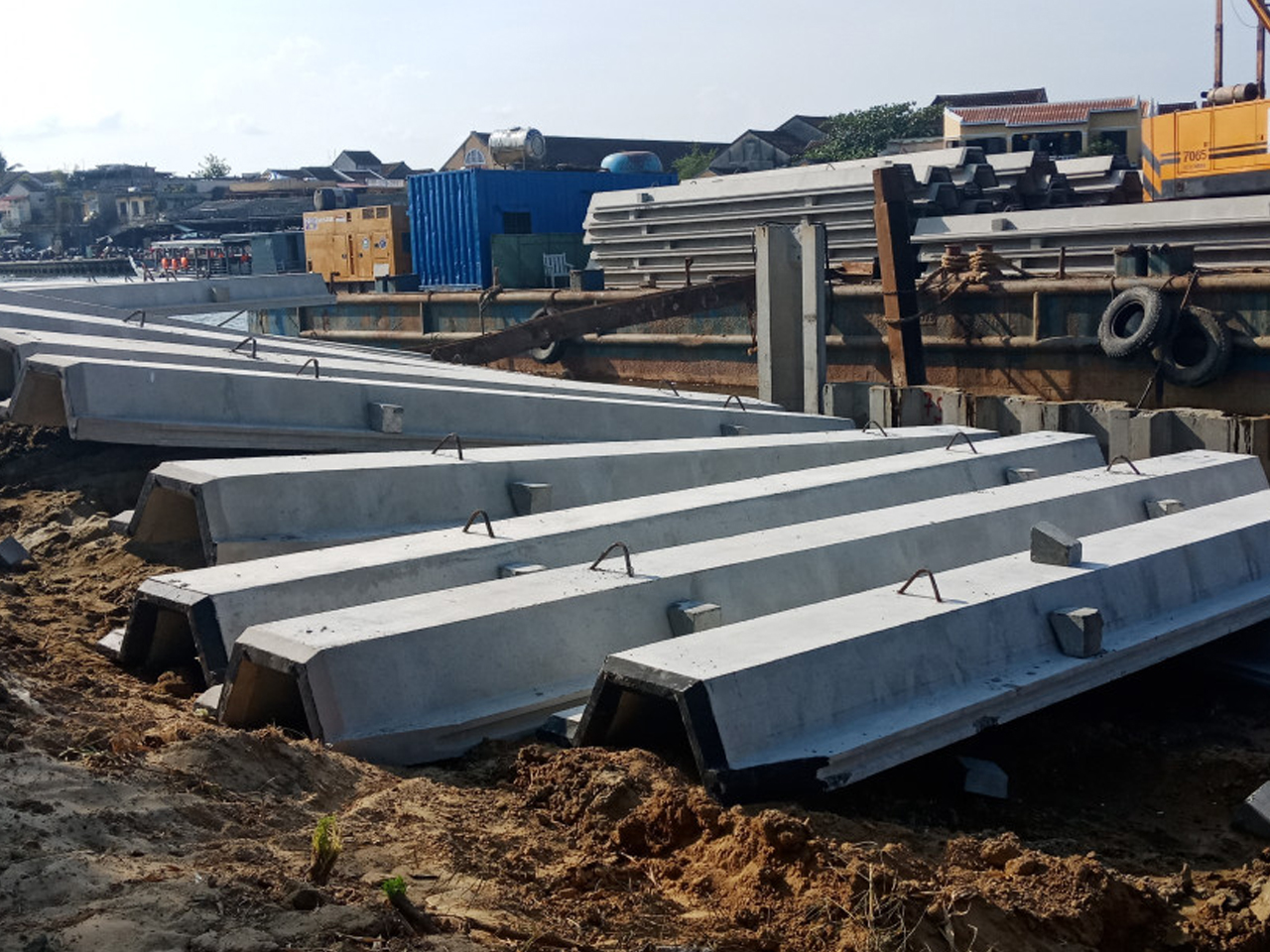 Pre-stressed concrete sheet pile